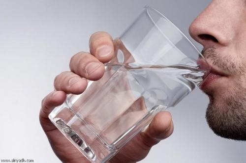 لا تكثروا من شرب الماء عند السحور وهذا البديل