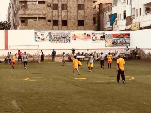 دائرة الشباب و الطلاب في الانتقالي تدشن بطولة كرة قدم رمضانية في العاصمة عدن