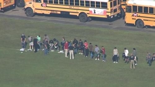 مجزرة جديدة في مدرسة أميركية تحصد 8 قتلى