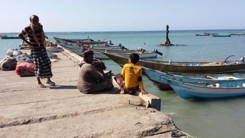 """إعصار """"ساجار"""" يتسبب في ضياع 20 قارب صيد في أبين والصيادون يستغيثون لمساعدتهم"""