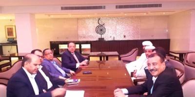 مصدر سياسي: علي ناصر وقيادة الانتقالي يتفقان على تقارب جنوبي ورؤية موحدة