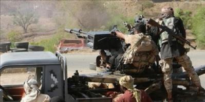 مدفعية الجيش تدك مواقع المليشيا في تعز وسقوط قتلى وجرحى