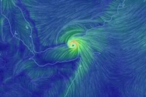 شبح الإعصار يعود مجدداً ليهدد عدن وحضرموت وبقية سواحل اليمن والخليج