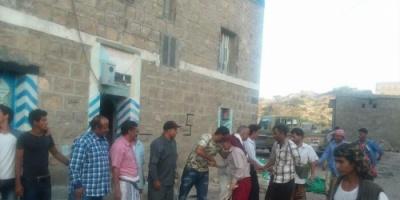 رئيس الانتقالي في الضالع وشخصيات اجتماعية تزور القائد أبو ماجد ونجله في الشعيب