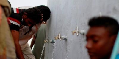 الحوثيون يفجرون خزانات تجميع المياه الوحيد في حيس بالحديدة