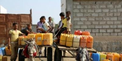 """مليشيا الحوثي تفجر الخزانات التجميعية لمشروع المياه الوحيد في مديرية """"حيس"""" بالحديدة"""