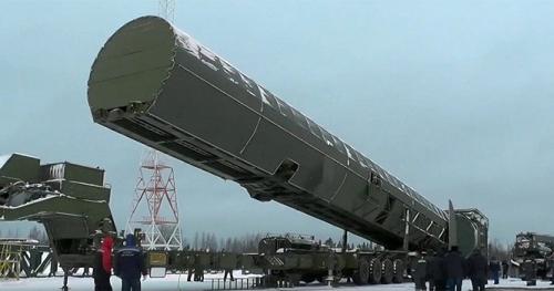 """الاستخبارات الأمريكية تفجر مفاجأة بشأن صاروخ بوتن الذي """"لا يقهر"""""""
