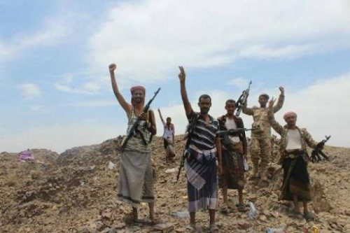 الجيش  يسيطر على المجمع الحكومي في الملاحيط