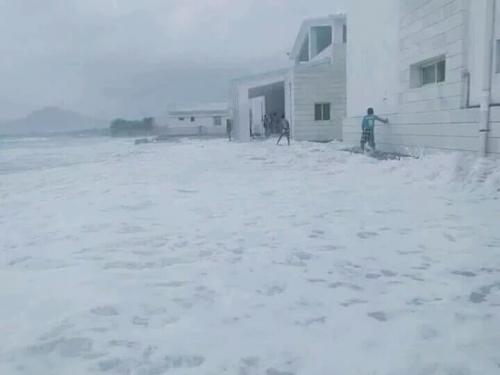 سقطرة مصدر للمشهد العربي .. إعصار موكنو يغرق سفينتين قبالة سواحل الجزيرة