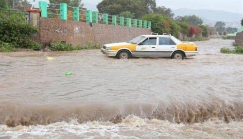 """مدير الأرصاد الجوية  إجلاء 167 أسرة بسقطرى وغرق سفينتين بسبب إعصار """"ماكونو"""""""