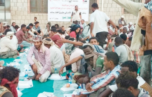 «الهلال الاماراتي » توزع 2800 سلة غذائية في الساحل الغربي
