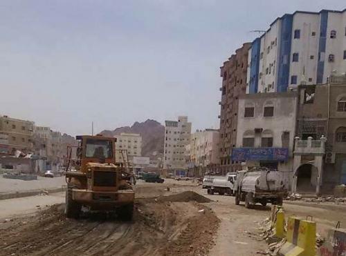 أشغال ساحل حضرموت  يشكل غرفة وفرق طوارئ للعمل على مدار الساعة
