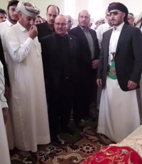 """شاهد بالصور لحظات مؤثرة وحزينة .. يحيى صالح يودع ابنه """" كنعان"""" الوداع الأخير"""