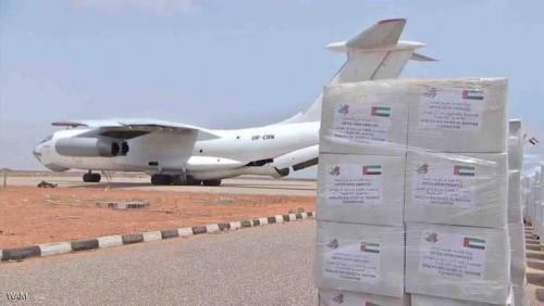 وصول أول طائرة إغاثة إماراتية إلى سقطرى