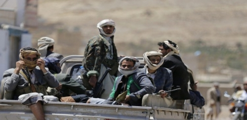 مليشيا الحوثي تفخخ قرى في الدريهمي وتتخذ من سكانها دروعاً بشرية