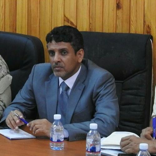 محافظ المهرة يطلع على الأوضاع في منطقة نشطون ومديرية حصوين