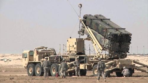 منظومة الباتريوت تعترض صواريخ باليستية أطلقتها الميليشيات على الخوخة بالساحل الغربي
