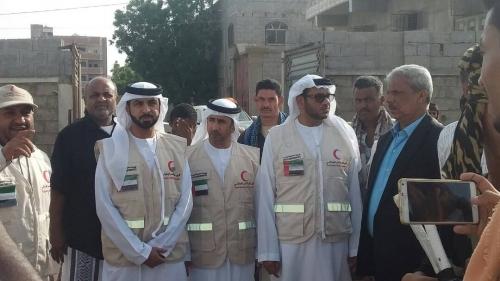 """"""" الهلال الأحمر الإماراتي """" يضع حجر الأساس لإنشاء وترميم فصول دراسية في تبن بلحج"""