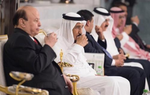 الملك سلمان يستقبل الرئيس هادي في جدة ويتناول معه وجبة السحور