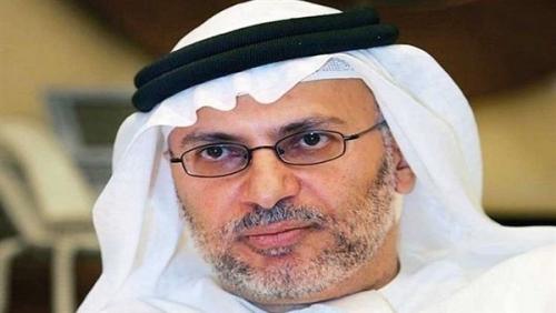 قرقاش: الاحتفالات المدفوعة الأجر لن تنهي أزمة قطر