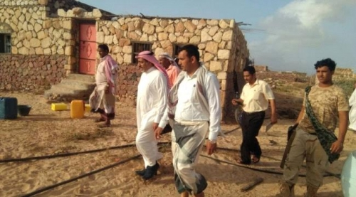 محافظ سقطرى يطلع على حجم الإضرار التي لحقت بمديرية نوجد جراء إعصار