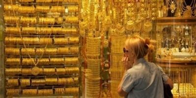 أسعار الذهب تستقر مع تجدد التوترات التجارية