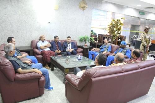 المحافظ البحسني يلتقي فريق البسلم 2 ويثني على جهودهم في خدمة مرضى القلب