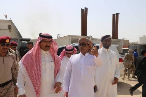 السفير السعودي يطلع على المؤسسات الخدمية في المهرة
