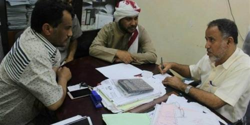 الفريق الرقابي والتفتيشي المكلف من محافظ حضرموت يواصل جهوده لإستقرار وضع الكهرباء