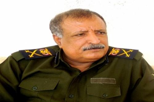اللواء لخشع يطلع على جاهزية إدارة أمن الحديدۃ