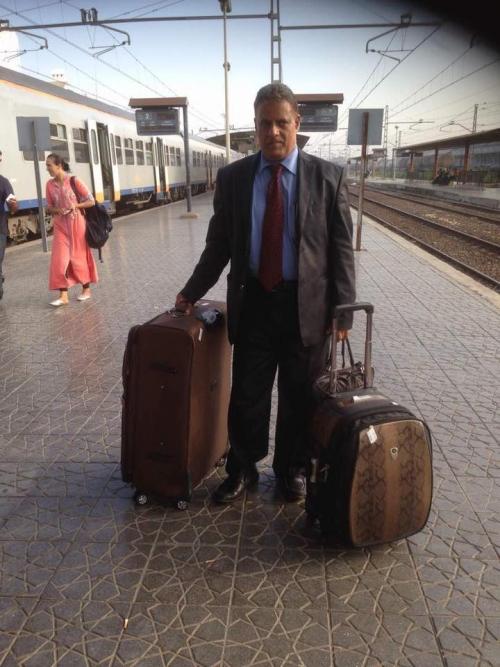 البروفيسور المحبشي يغادر البلاد بعد تعرضه للتهديد بالتصفية