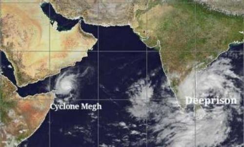 """هو الإعصار الثالث خلال شهر.. المدمر الجديد """"روانو"""" يقترب من السواحل اليمنية..!"""