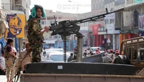 مسلحون يستهدفون دورية انتشار أمني في تعز وإصابة 3 جنود