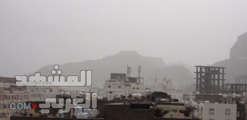 استمرار هطول الأمطار الغزيرة على معظم مديريات العاصمة عدن