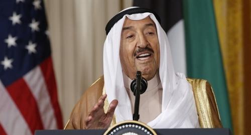 أمير الكويت يدعو الأطراف اليمنية للعودة إلى طاولة المحادثات