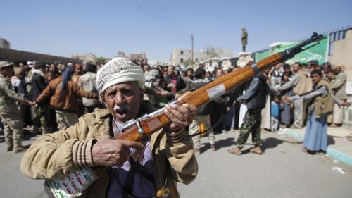 ترقب في صنعاء بعد انتهاء المهلة التي حددها الحوثيون للقبائل للدفع بأبنائها للجبهات