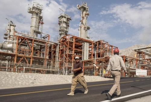هلع إيراني من تفاهم أميركي سعودي لتعويض إمداداتها النفطية