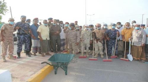 تحت شعار شحرنا أجمل .. تدشين حملة النظافة الشاملة في مدينة الشحر بحضرموت