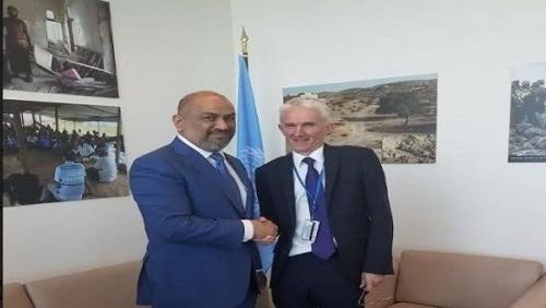 الشرعية تدعو المجتمع الدولي للضغط على الحوثيين لتجنيب الحديدة الدمار