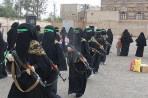 عرض عسكري للحوثيات في ذمار