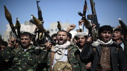 """مليشيا الحوثي تلزم مديري المكاتب التنفيذية بمديريات العاصمة بالنزول خلال إجازة العيد لزيارة """"الجبهات"""""""