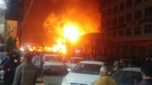 نشوب حريق هائل في محطة وقود بصنعاء