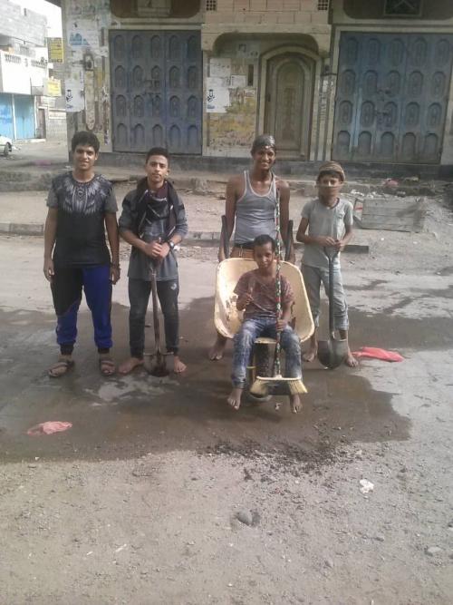 شباب واطفال بلوك 22 في المنصورة ينفذون حملة نظافة لحيّهم