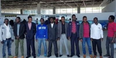 حكومة الصومال تنجح بإعادة صوماليين محتجزين في زمبابوي