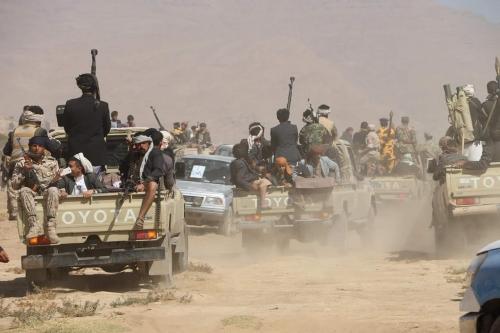 مسؤول محلي: العديد من عناصر ميليشيا الحوثي يفرون من مدينة الحديدة بعد السيطرة على المطار
