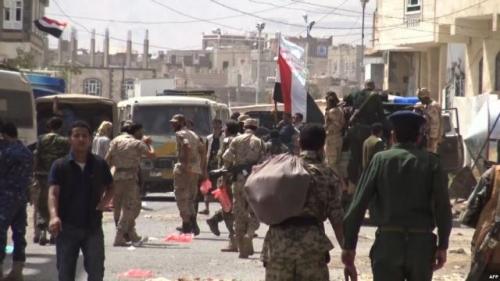 ميليشيا الحوثي تنفذ عمليات نهب وسطو ومسلح على المحال التجارية في محافظة حجة