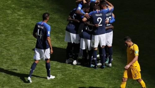 كأس العالم:  بوجبا يقود منتخب فرنسا إلى فوز صعب أمام أستراليا