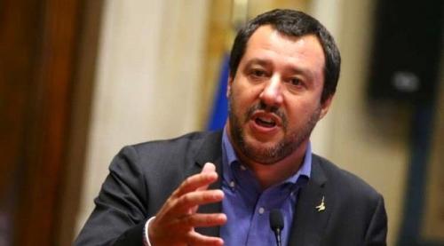 وزير الداخلية الإيطالي: هيئات إنقاذ المهاجرين غير الحكومية لم تعد محل ترحاب