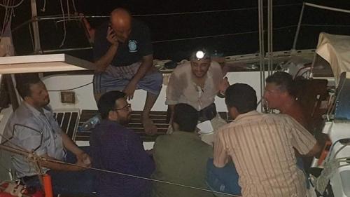 الحوثيون يحتجزون مواطنا فرنسيا مع قاربه بميناء الحديدة