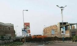 ميليشيا الحوثي تقطع الطريق الساحلي المؤدي إلى دوار مطار الحديدة